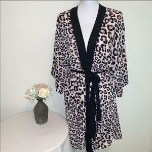 🔥Victoria Secret Leopard Print Kimono Robe🔥